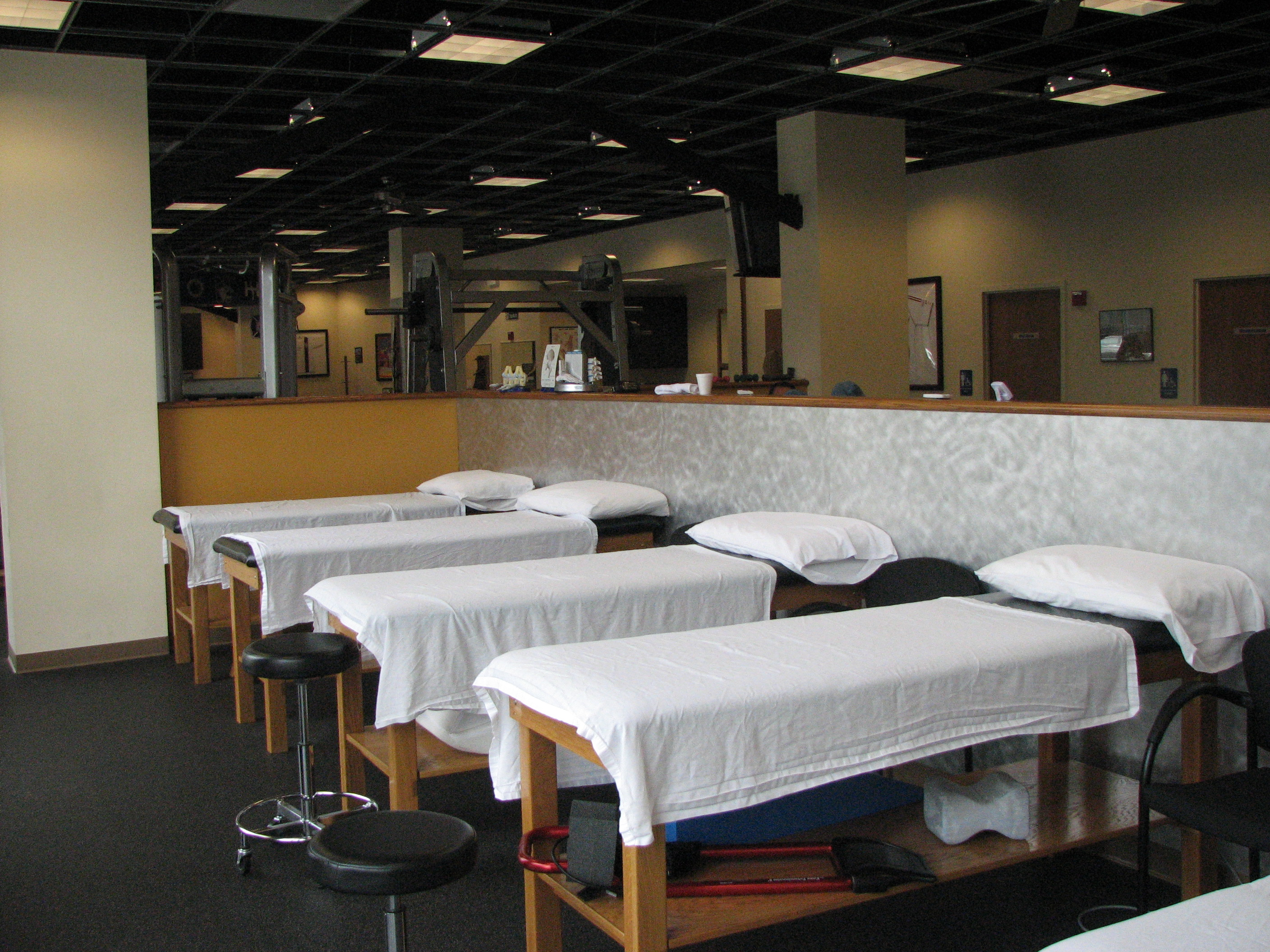 Glenview california physical therapy - South Loop Treatment Area