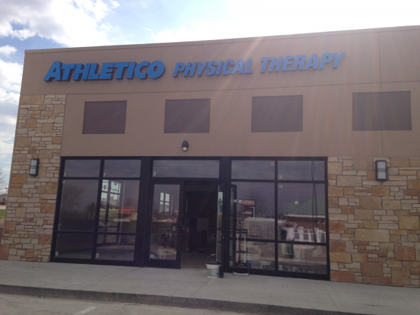 physical therapy waterloo IA athletico waterloo south