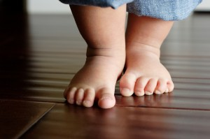 toe walking toddlers is it normal
