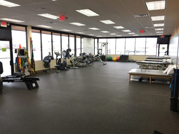 physical therapy in crystal lake