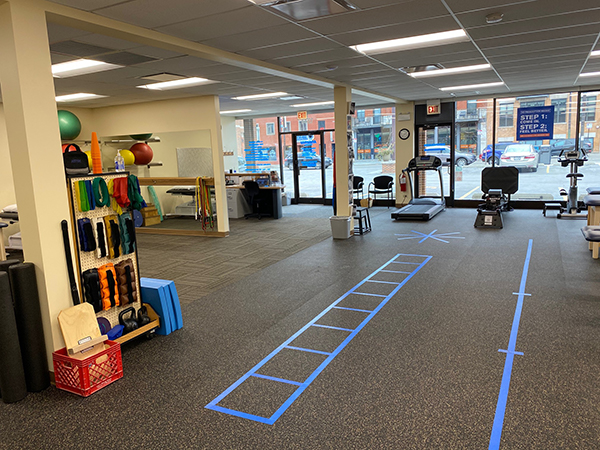 physical therapy lakeview chicago athletico lakeview west