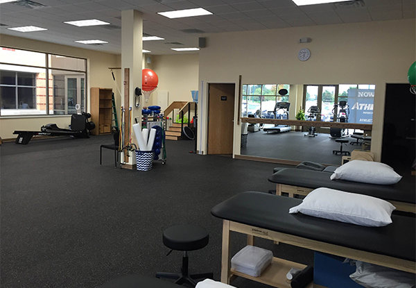 physical therapy grand rapids knapps corner