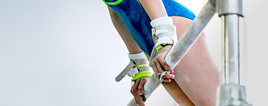 wrist pain in tumbling